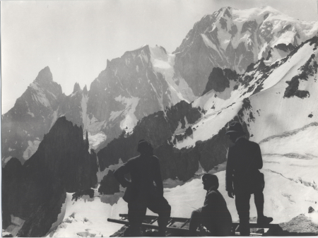 [La cresta di Peutérey dal rifugio Torino, 1930 circa]