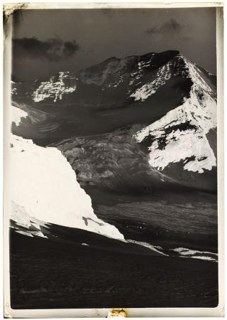 [Riprese varie tra cui il Monte Bianco, il Cervino e la Ciamarella]