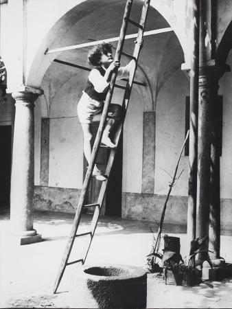 [Leonardo Ravelli. La scala, 1930 circa]