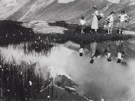 [Famiglia Ravelli in gita al lago Chécrouit, 1937 circa]