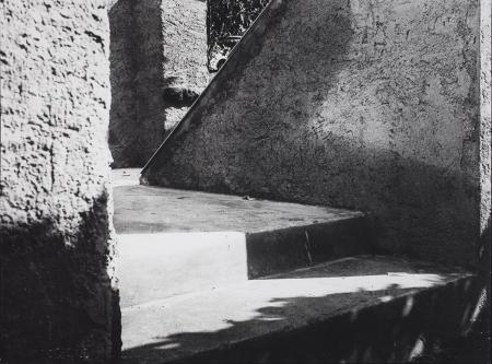 [Ombre sulle scale, 1920 circa]