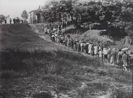 [Orlongo, processione, 1928]