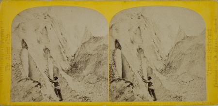 30.-Pyramides de Glace - Glacier des Bossons Chamounix. Savoie