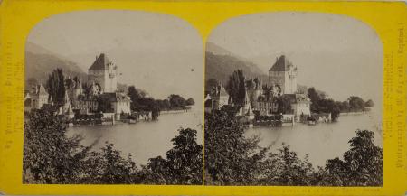 121.-Château d'Ober-Ofen sur le Lac de Thun. Suisse.
