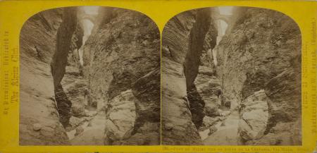 199.-Pont du Milieu pris du fond de la Crevasse, Via Mala. Suisse.