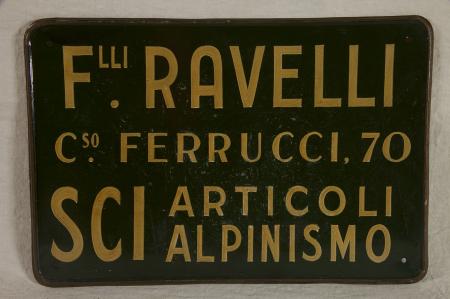 """Targa """"F.lli Ravelli C.so Ferrucci, 70 Sci articoli alpinismo"""""""