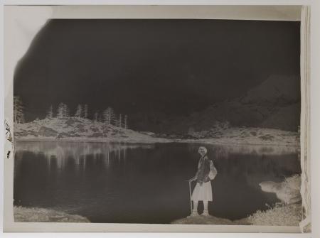 [Maria Fino sulle sponde del Lago Blu in Val d'Ayas]