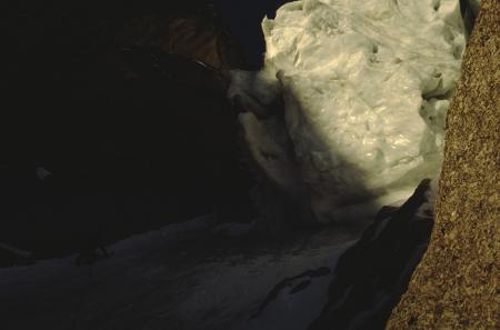 [Riprese varie di alpinismo su ghiaccio e pareti ghiacciate: Seraccata Capucines]