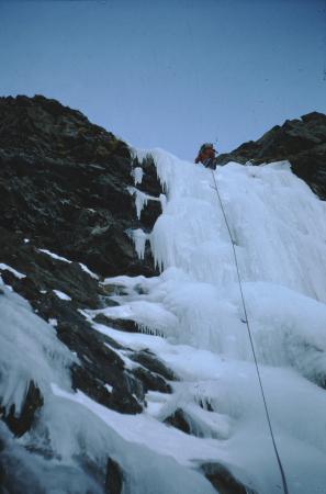 [Alpinismo su ghiaccio in zona non identificata; Cascata dell'Acheronte]