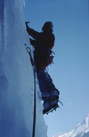 [Alpinismo su ghiaccio nella Valle di Gressoney]