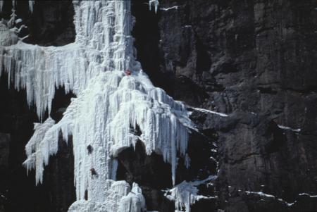 [Riprese varie di paesaggi, cascate di ghiaccio e alpinisti in Canada: Weeping Wall, Polar Circus, La Pomme d'Or]