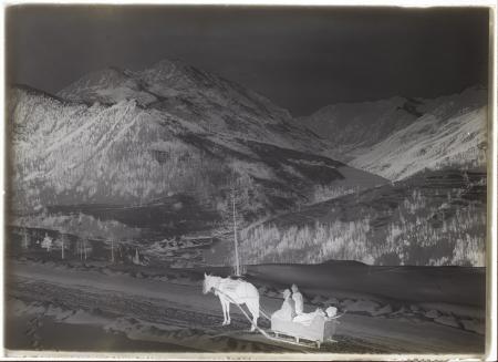 [Riprese varie della Valle Stretta e di borghi alpini]