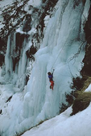 [Piemonte, Val di Susa: L'Eterea Cascata di Novalesa?]
