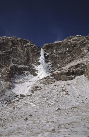 [Riprese varie della Cascata del Pis di Massello, Val Germanasca]