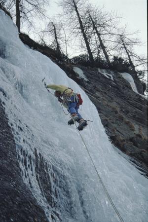 [Piemonte, Valle dell'Orco, Cascata Bellagarda: arrampicata su ghiaccio]