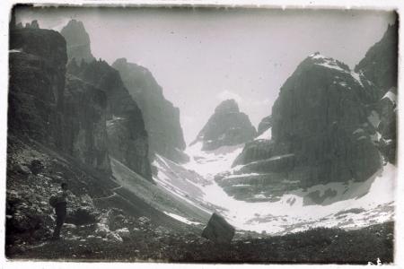 [Dolomiti di Brenta e località non identificate: panorami e paesaggi]