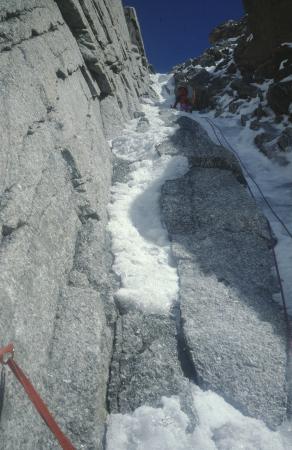 [Alpinismo su ghiaccio sul Petit Capucin, Goulotte Valeria]