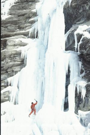 [Zona non identificata: arrampicata su ghiaccio di Gian Carlo Grassi]