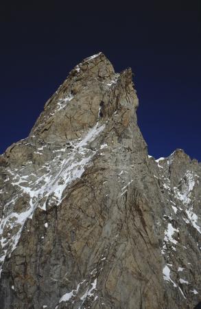 [Rilievi montuosi e pareti rocciose del Massiccio del Monte Bianco]