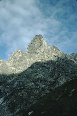 [Lombardia, Val Masino]: Torrione di Zocca
