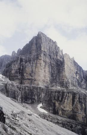 [Zone varie tra cui: Dolomiti, Monte Kenya, Rutor]