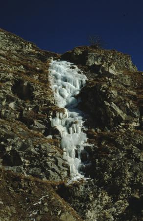 [Paesaggi della Valle di Viù e cascate tra cui la Cascata dei Puffi]