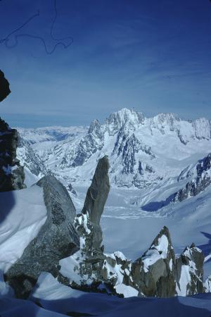 [Gruppo del Monte Bianco, riprese varie tra cui: Aiguille Verte, Dente del Gigante e Grandes Jorasses, Tour Ronde, terrazzo di Punta Helbronner]