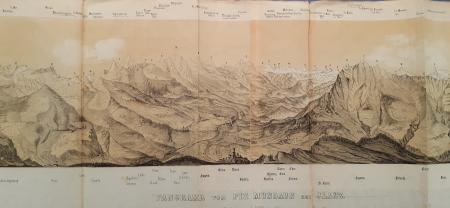 Panorama vom Piz Mundaun bei Jlanz